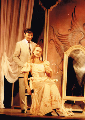 Bruno als Steve Canfield mit Elvira Soukop als Ninotschka in Wien