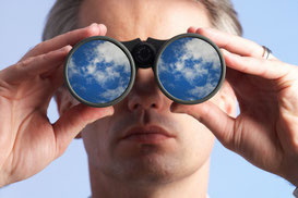 Marktbedürfnisse, Kundenmeinung, Kundenwünsche - Mitarbeiter-Verhalten - Erkenntnisse eigener Potenziale & Schwächen - Recherchen, Umfragen, Tests