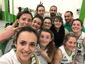 Malgré un groupe décimé, les filles remportent leur dernier match et terminent donc à la 3ème place ! Place aux 1/4 de finale face à Roquefort !