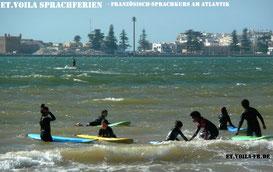 Essaouira - Marokko : Wellenreiten den ganzen Tag - perfekt für Kids zum Austoben.
