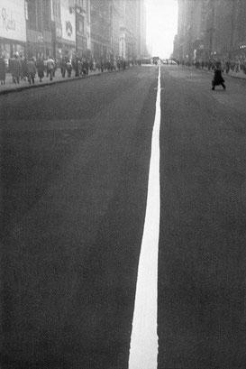 Street-line, 1951 © Robert Frank