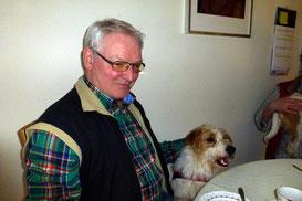 Papa Anno kuschelt mit Lutz