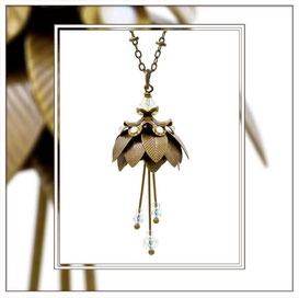 Magnolia ° The Marvelous Flower ° Luminous Flower Necklace * Designed and Manufactured by Elfgard® Germany