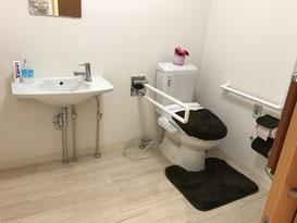 使いやすさを考えた洗面所とトイレ