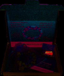 Liebevoll verpackt: das Mamidala Stillarmband im Organza-Geschenkbeutel