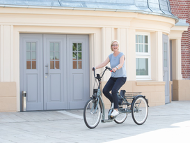 Ausflug mit einem Dreirad für Erwachsene