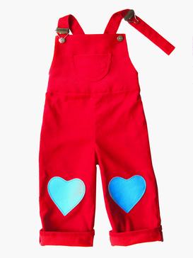 rote Latzhose für Mädchen, HERZKIND, handgefertigte, faire Mode aus Berlin