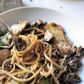 Linguine mit Pilzen, Pilzen.... - aromatisch, intensiv,  delikat!!