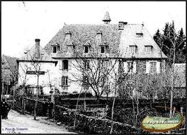 Le notariat de Montsalvy est l'ancienne école libre des filles appelée le couvent