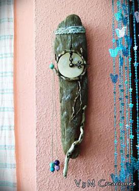 vymcreaciones, vymcreaciones.com, driftwood clock, reloj madera de mar, madera deriva, etsy, decoración con palos