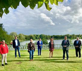 © CDU Loxstedt (Mitglieder des Vorstandes der CDU Loxstedt mit Generalsekretär Kai Seefried und PSts Enak Ferlemann)