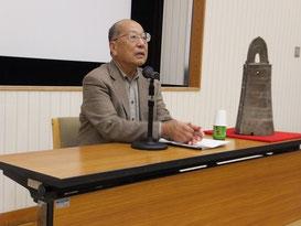 橿原考古学研究所研究部長、副所長兼附属博物館館長も務めた我が国考古学界権威者の一人、石野先生