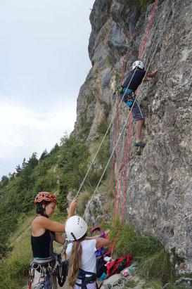 Séance d'initiation à l'escalade sur la falaise des Gicons, Dévoluy