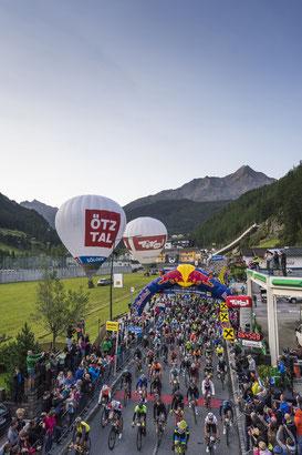 Start des 39. Ötztaler Radmarathons in Sölden (Copyright: Ötztal Tourismus/Lukas Ennemoser)