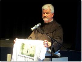 P. Christoph machte am Ende des Vortrags auf die Syrienhilfe der Franziskaner aufmerksam