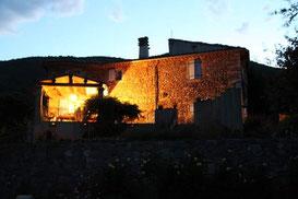 La Terrasse et la façade Est du Grand Gîte