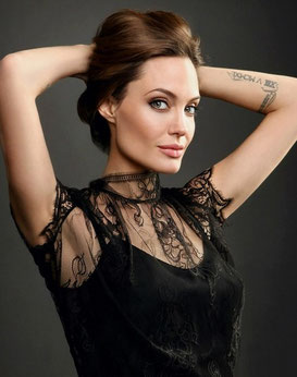 Angelina Jolie, Noeud Nord Sagittaire en maison V.