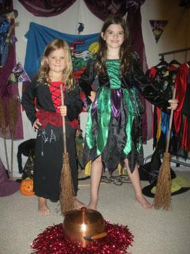 Hexen startklar mit Besen