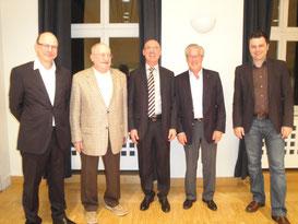 Die ehemaligen Präsidenten des LCB an der GV vom 16.3.2016: v.l. Martin Wegmüller, Bernhard Aerni (†), Bruno Marelli, Markus Salomon und der amtierende Präsident Reto Faedi