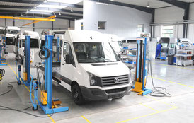 Vehicle construction workshop with line production
