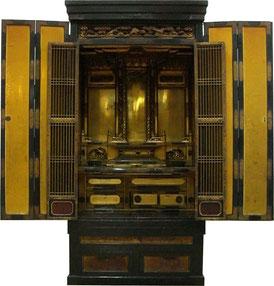 お仏壇のお悩み、木地が割れている、金箔がすれている、掛軸が破れているなどお仏壇についてのお悩みにお答えします。修理エリア:岐阜県・愛知県・富山県