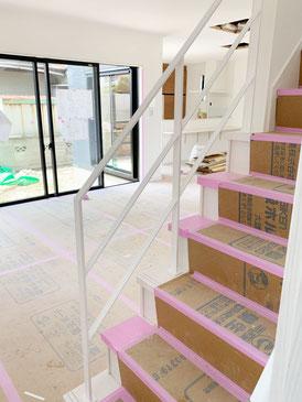 リビングが広いですね!オープン階段がより空間を広く魅せます