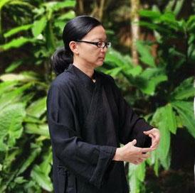 Wan Fung Got - Zhineng Qigong Lehrerin   Zhineng Qigong Zentrum