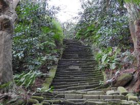 瑞泉寺への石段