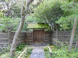 茶室 寒雲亭の門