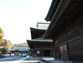 仏殿と法堂