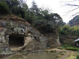 庭園と天女洞