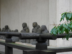 開山堂 回廊の地蔵