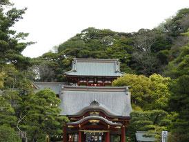 下拝殿と本宮