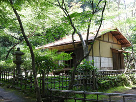 春草廬(しゅんそうろ)江戸時代茶室