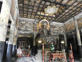 仏殿の、本尊、地蔵菩薩坐像
