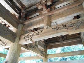重層八脚の山門彫刻