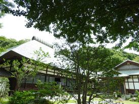 花塚から方丈(本堂)