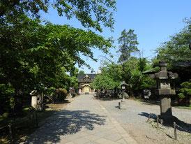 上野東照宮の内の参道