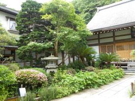 境内の弘法大師像