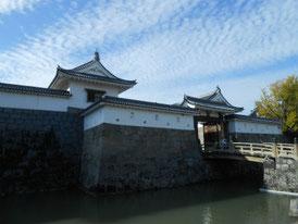 東御門の中堀