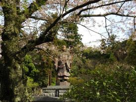 日蓮聖人銅像