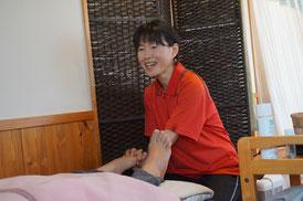 あなたの足の状態にあわせて施術します。