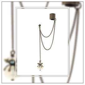 Floria ° The Wild Romantic ° Left Side Earcuff Beautiful Handcrafted Earcuff with Brass Chain, Rhinestone and Faceted Glass Beads. * Designed and Manufactured by Elfgard® Germany