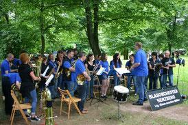 Fest im Park, 22.6.2013 gemeinsamer Abschluss der Bläserklasse für Erwachsene und Blasorchester Herzberg