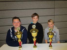 Das Podest der U14: Gregor Protschka (3., rechts), Robert Vuckovic (1., Mitte), sowie Mihail Chisingher (2., links)