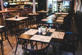 Restaurant, Tische, Stühle