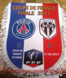 Grand fanion  PSG-Angers  2006-17