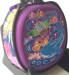 デザイン三線ジンベイザメ紫の画像裏