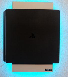 Aufhängung PS4 mit LED-Beleuchtung