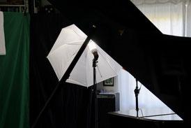 Musikschule_Klavierstudio_Patrick Dieter_Onlineunterricht_Lampenschirm